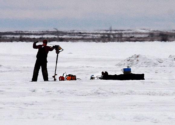 141203 icefishing